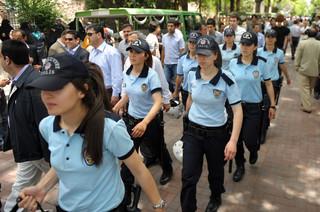 W Turcji protest kobiet przeciwko stanowisku Erdogana w sprawie konwencji stambulskiej