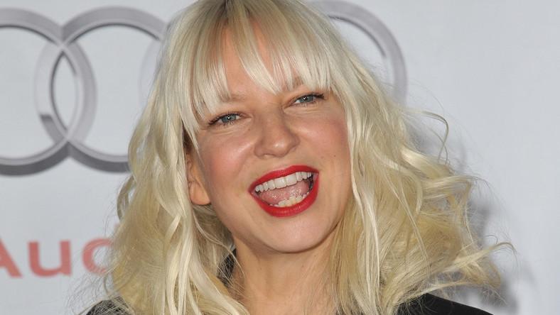 """Sia Furler śpiewa """"Alive"""""""