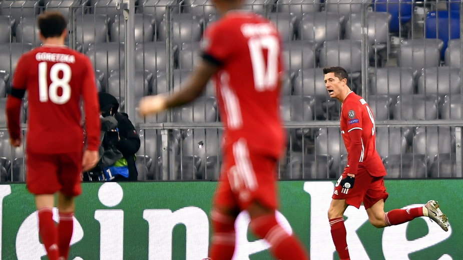 Robert Lewandowski po strzeleniu gola RB Salzburg