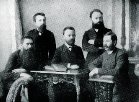 Nikolajević sa članovima