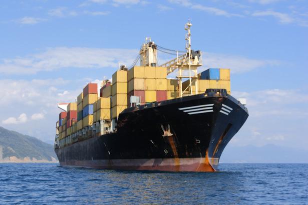 Problem wynika z tego, że od wielu lat urzędy morskie organizowały przetargi na prace w ramach Programu Ochrony Brzegów Morskich, nie uwzględniając w cenie VAT