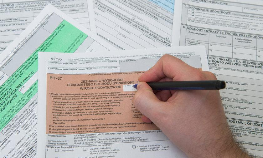 Mandat za wykroczenie skarbowe dostaje się zwykle za niezapłacony w terminie podatek lub niezłożenie deklaracji.