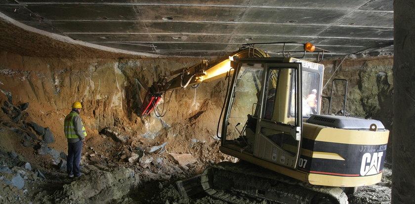 PiS: Na budowie metra setki szkieletów. PO to ukrywa!