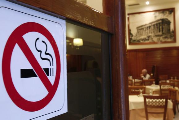 Veći restorani biće podeljeni na pušačke i nepušačke zone