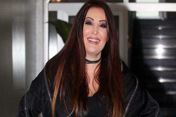 ZBOG BOLESTI JE GODINAMA IMALA TRAUME I KOŠMARE: Dragana Mirković danas živi u RASKOŠI, a njeno detinjstvo je bilo PUNO BOLA!