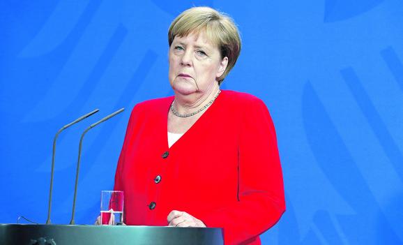 Merkelova se povlači do kraja godine zbog zdravstvenih problema, Makron hoće da je ispoštuje i sastanak Beograda i Prištine zakaže što pre