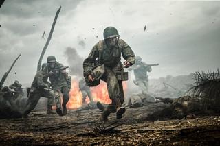Odmówił na wojnie zabijania i został bohaterem. 'Przełęcz ocalonych' w kinach