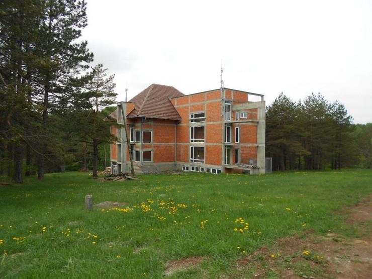 639098_katastar-hotel-u-izgradnji-smenjenog-zorana-matica--predrag-vujanac