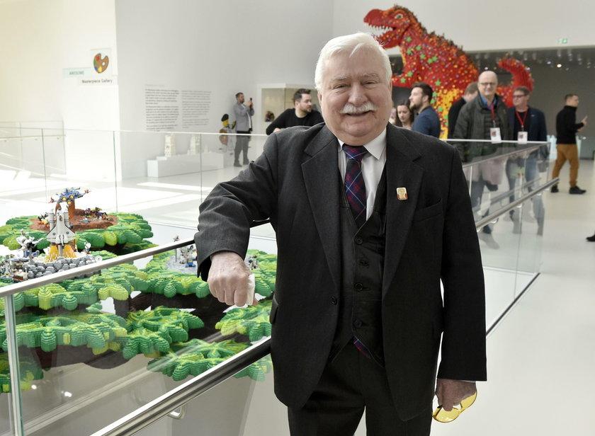 Wałęsa wzywa ludzi na ulicę. Ogłosił manifest