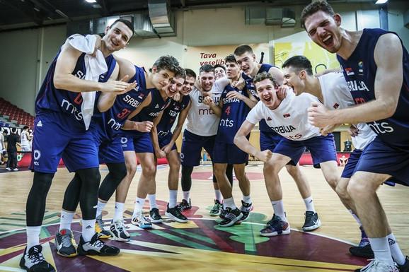 VELIKI DERBI! Naše košarkaške nade danas igraju četvrtfinale Svetskog prvenstva, selektor poručuje: Njih smo i hteli!