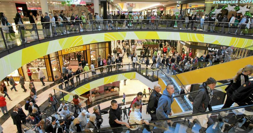 Zakaz handlu w niedzielę w Niemczech zmienił przyzwyczajenia konsumenckie. Jak wpłynie na polskie spółki?