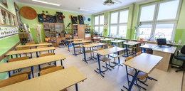 Warszawa nie likwiduje szkół!