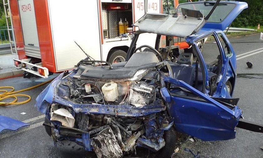 Trzy osoby ucierpiały w wypadku w Knurowie