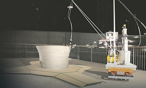Timovi robota međusobno komuniciraju i prave građevinske strukture