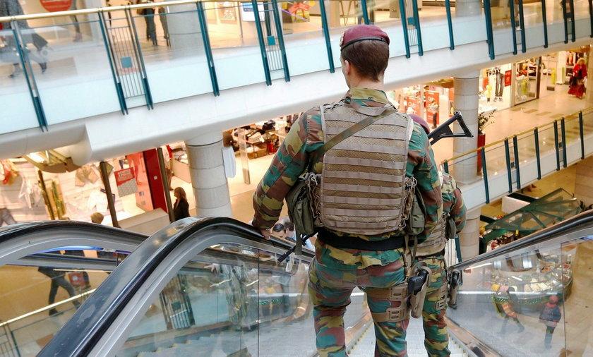 Alarm bombowy w centrum Brukseli. Zatrzymano podejrzanego o terroryzm