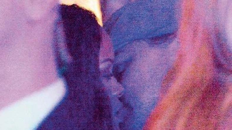 Rihanna, Leonardo DiCaprio kissing in Paris