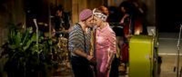 Sukces spektaklu w Narodowym opiera się na dwóch pokoleniach aktorów.