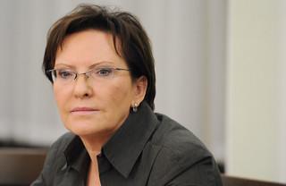 Świadczenia pielęgnacyjne w TK: Ewa Kopacz podpisała stanowisko Sejmu