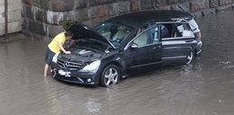Ulewa lub burza zniszczyła ci auto? Co teraz zrobić?