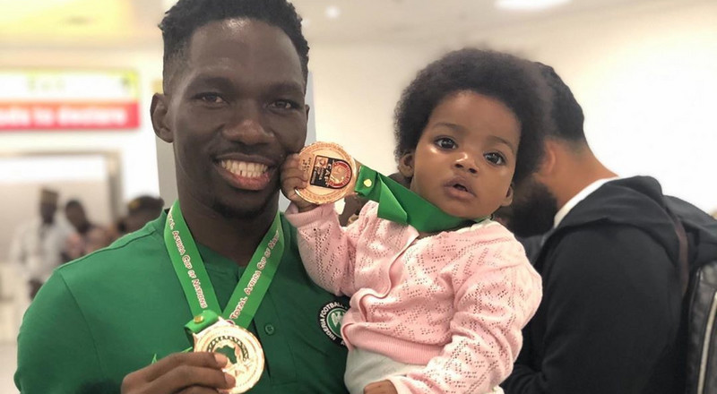 Super Eagles defender Kenneth Omeruo welcomes baby girl with wife