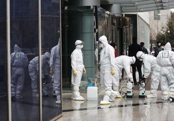 Dezinfekcija javnih površina u Južnoj Koreji