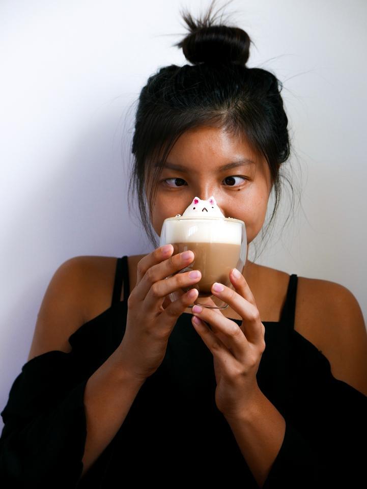 Nastolatka z Singapuru tworzy wyjątkowe napoje z elementami 3D