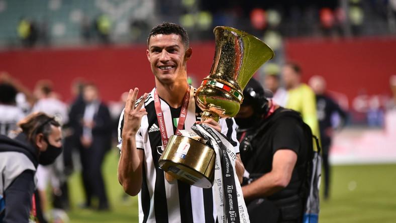 Cristiano Ronaldo świętuje z Juventusem zwycięstwo w Pucharze Włoch