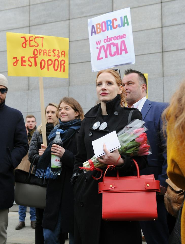 Jessica Chastain na Strajku Kobiet w Warszawie