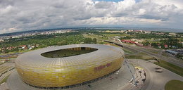 Demontaż liter ze stadionu w Gdańsku