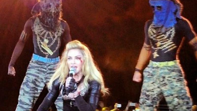 Madonna (fot. kadr z nagrania koncertu)