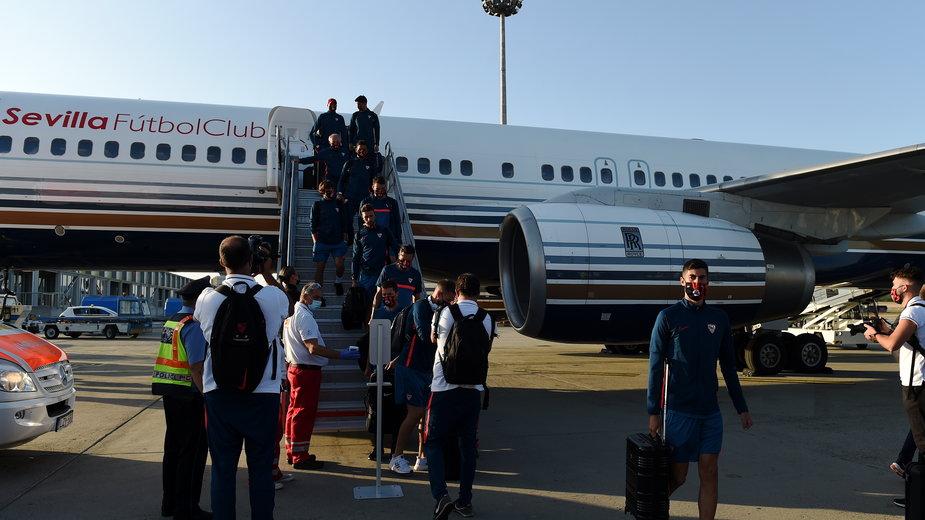 Lądowanie piłkarzy Sevilla FC w Budapeszcie