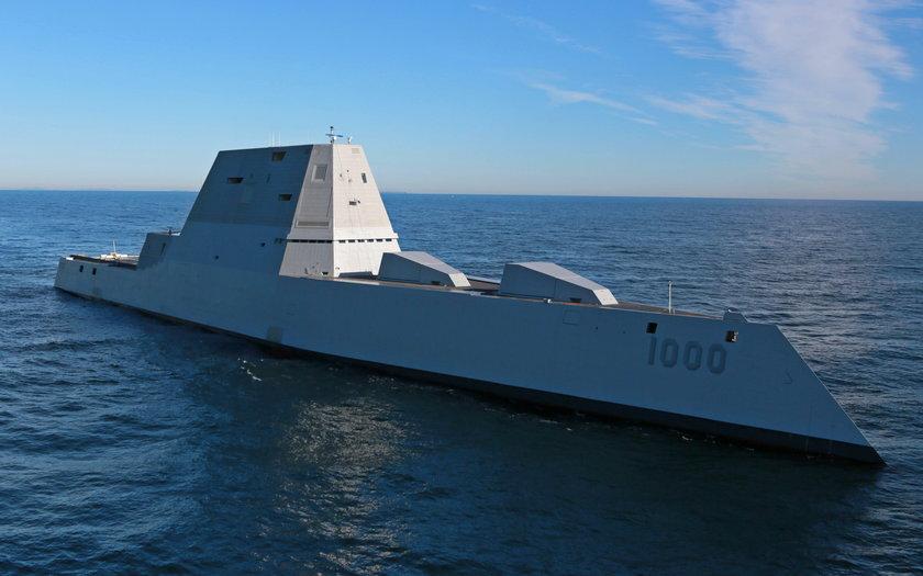 Zbudowali najnowocześniejszy okręt świata. Już przecieka