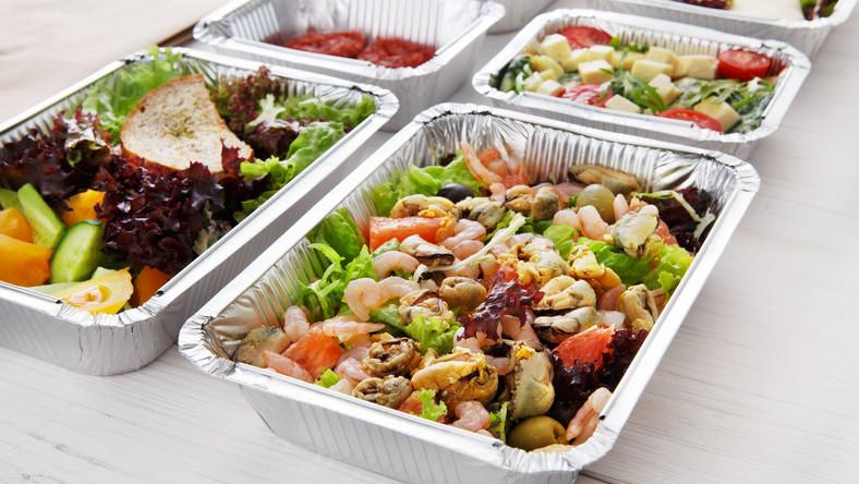 Posiłki w pudełkach
