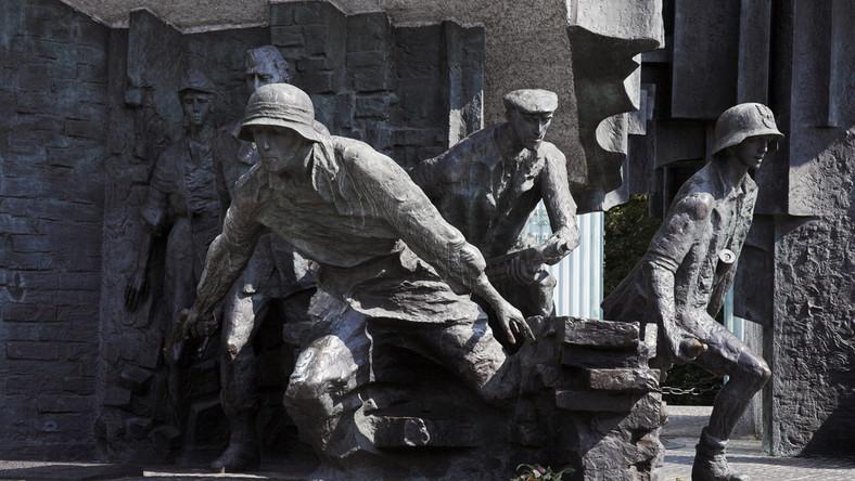 Pomnik powstańców w Warszawie