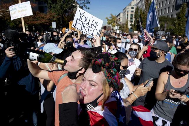 Slavlje na ulicama pobeda Bajden izbori Amerika 2020