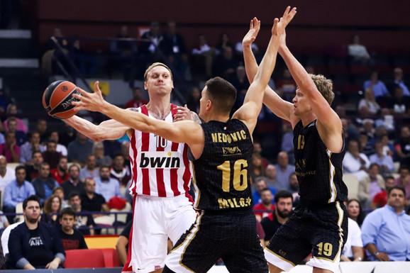 Nemanja Nedović na meču sa Olimpijakosom