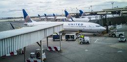 Pasażer zmusił załogę samolotu do lądowania. Wysmarował toalety fekaliami