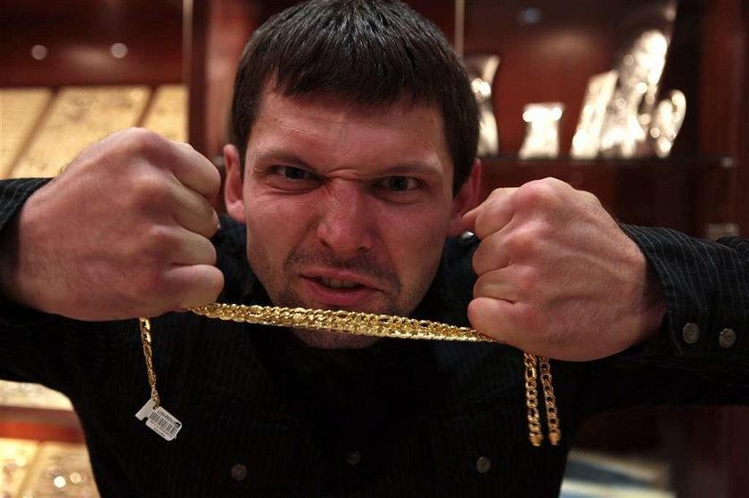 Kołecki handluje złotem
