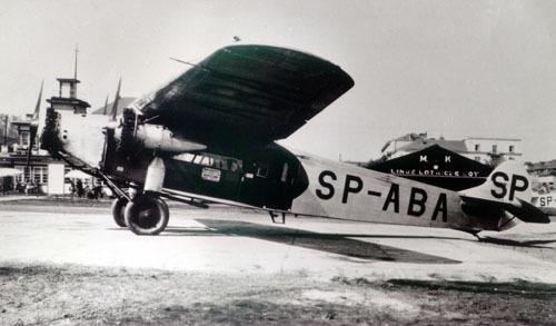 Samolot Fokker F-VII na pokład zabierał maksymalnie 10 pasażerów.
