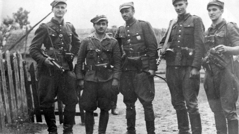 Fotografia żołnierzy V Wileńskiej Brygady AK - domena publiczna