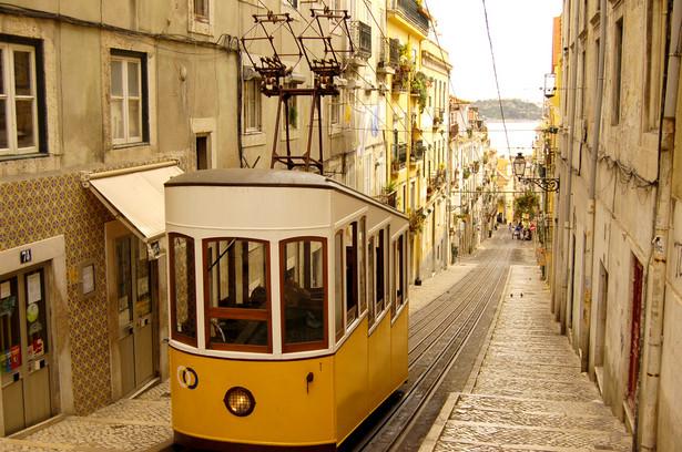 Portugalia stała się trzecim – po Grecji i Irlandii – państwem strefy euro, które musiało skorzystać z unijnej pomocy finansowej