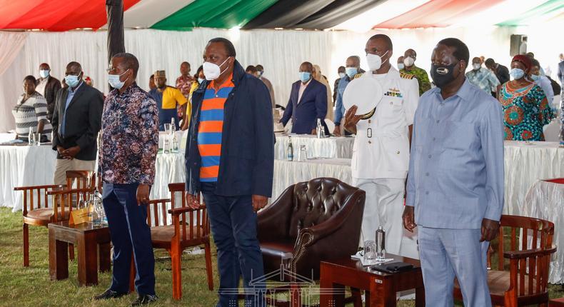 President Uhuru Kenyatta, former Prime Minister Raila Odinga and a number of Kenyan MPs during the Naivasha BBI retreat