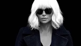 """""""Atomic Blonde"""": dwa klipy w sieci"""