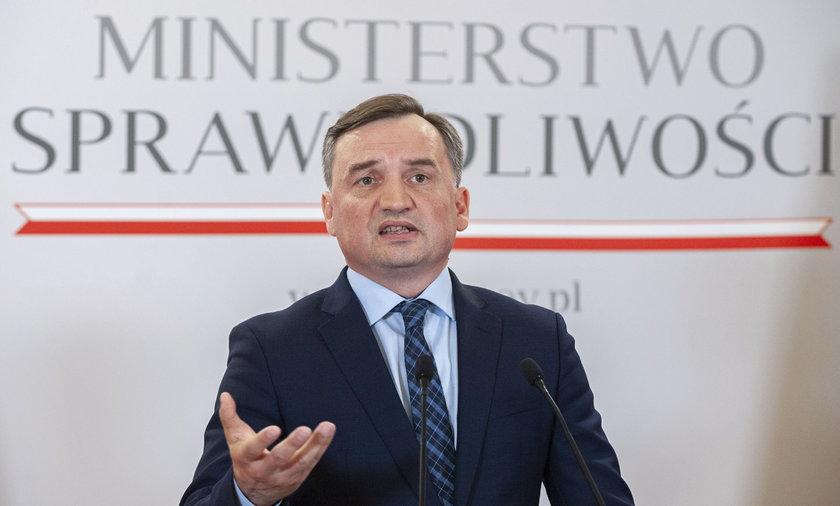 O wykreślenie kościoła z listy wspólnot wyznaniowych wnioskował Prokurator Generalny, Zbigniew Ziobro.