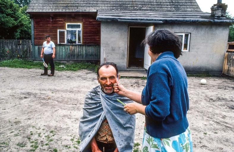 Dzien Wyborow 4 czerwiec 1989. We wsi Katy (Mazowieckie). Fot. Chris Niedenthal