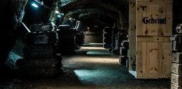 Nowe odkrycie w podziemiach! Ciężarówki, a w nich...