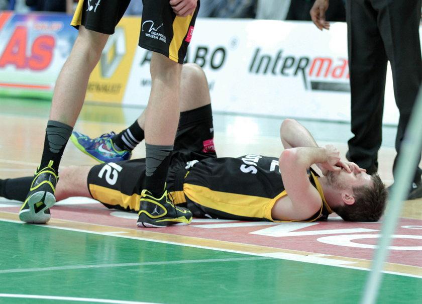 Koszykarz padł nieprzytomny w trakcie meczu!