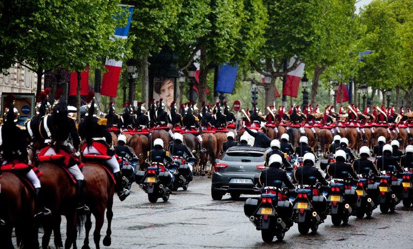 Eskorta Francois Hollande