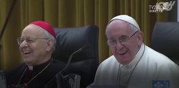 Papież opowiada dowcip o plotkarze. Zobacz zaskakującą puentę