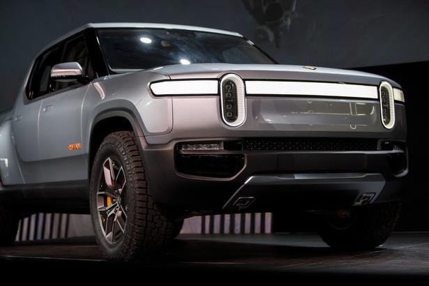 W ostatnim czasie preferencje konsumentów, szczególnie na rynku amerykańskim, zmieniają się na korzyść większych pojazdów, takich jak SUV-y i półciężarówki, które są zazwyczaj najbardziej dochodowymi modelami w asortymencie znanych producentów samochodów. Dlatego analitycy twierdzą, że ruch na rzecz opracowania elektrycznych pickupów był niemalże pewny. Rivian Automotive Inc - elektryczny pickup R1T